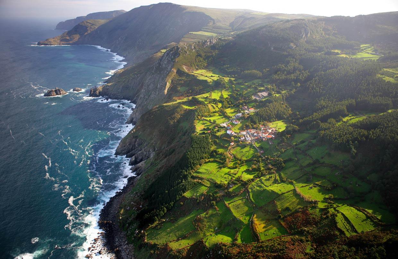 Diez acantilados espectaculares de España que quitan el hipo