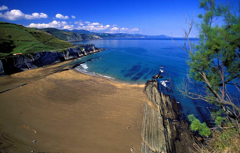 Itzurun, la playa favorita de los lectores para este verano