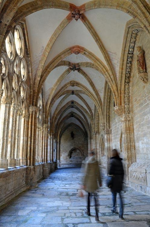 Ponte las botas para descubrir 10 lugares únicos en los otros Caminos de Santiago