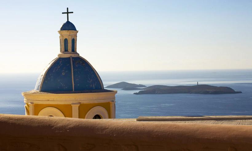 Navegando por las islas Cícladas en barco de línea