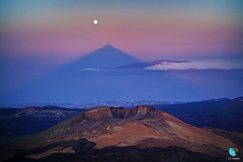 El supereclipse de Luna, un fenómeno astronómico para disfrutar en Tenerife