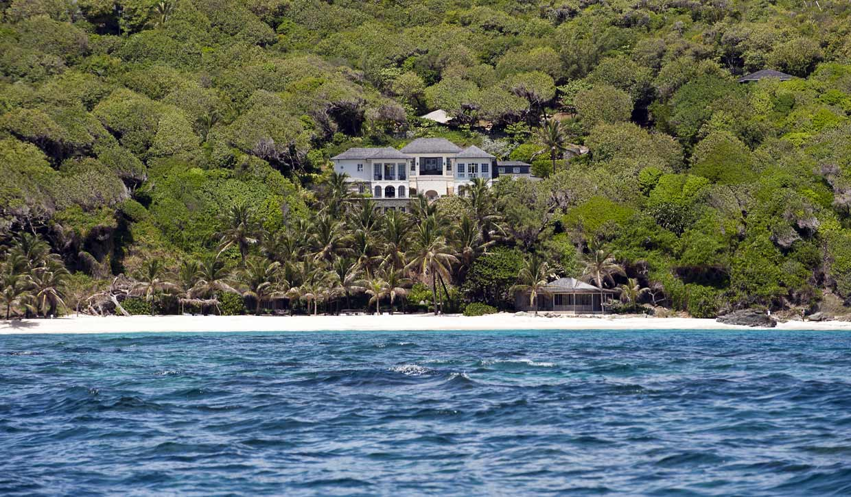 Mustique, el idílico paraíso de Isabel Preysler y Mario Vargas Llosa en el Caribe