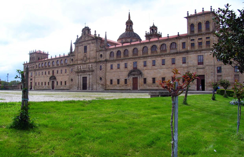 11 pueblos de galicia que son bonitos a rabiar for Piscina monforte de lemos