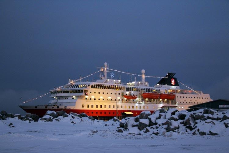 Cómo vivir una insólita y blanca Navidad navegando por los fiordos noruegos