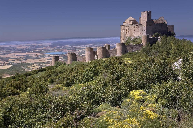 Un viaje a la Edad Media los 15 castillos ms bonitos de Espaa