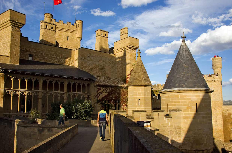 Un viaje a la edad media los 15 castillos m s bonitos de - Granito en espana ...