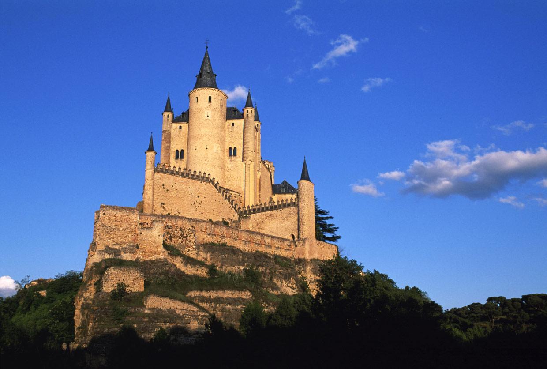 Un viaje a la edad media los 15 castillos m s bonitos de for Nombres de hoteles famosos