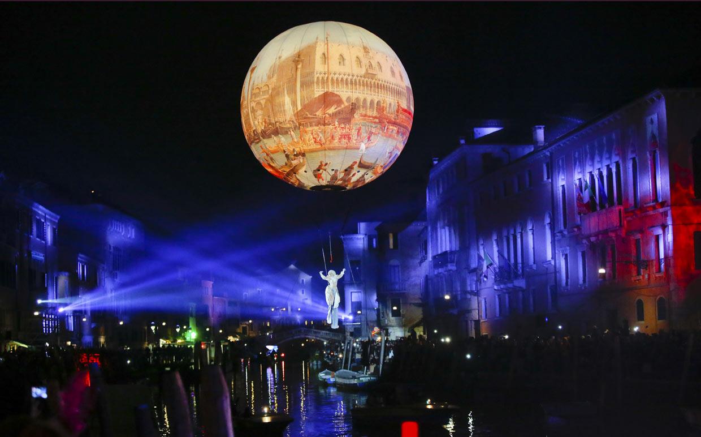 La gran fiesta de las máscaras ha comenzado, Venecia es todo glamour
