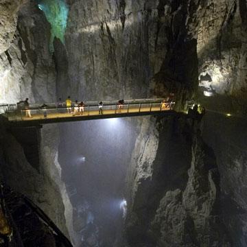 Recorre una de las cuevas más sorprendentes del mundo en una experiencia única