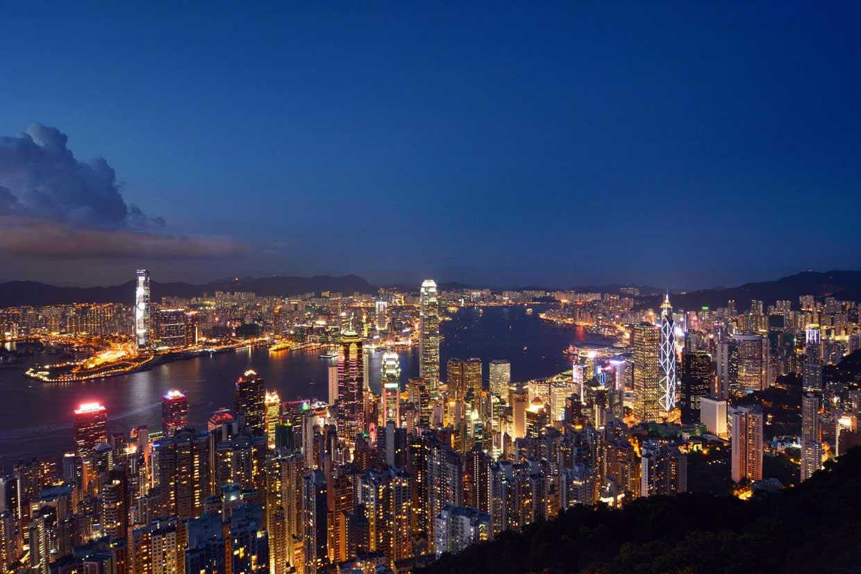 ¿A dónde nos gusta viajar? Así brillan de noche las 10 ciudades más visitadas del mundo