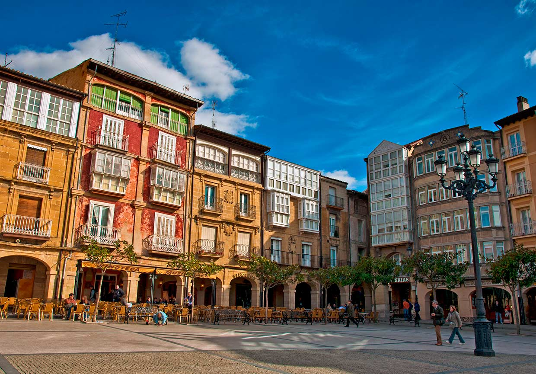En fotos los pueblos m s bonitos de la rioja for Hoteles en la rioja