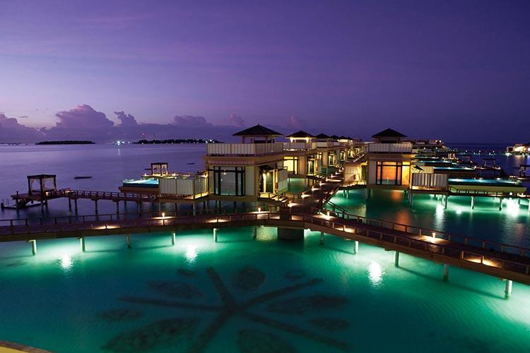 101 actividades en maldivas for Hotel en maldivas con restaurante bajo el agua