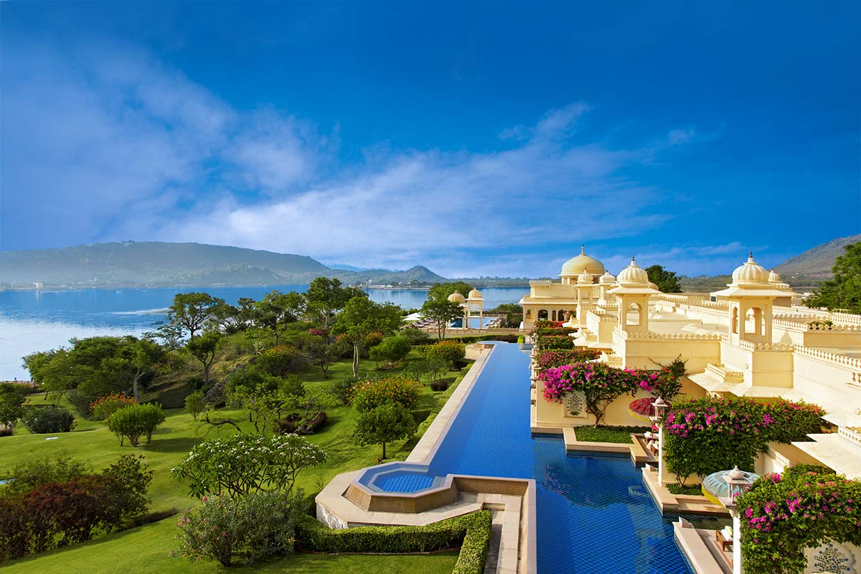 Las piscinas m s espectaculares del mundo para recibir el for Mas piscinas