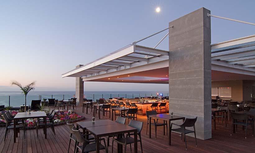 Cenas paradisíacas frente al mar de Madeira