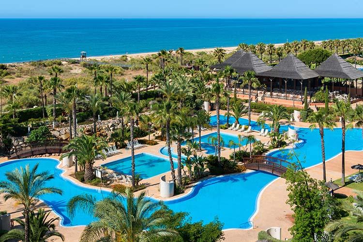 De playa en playa por la costa de huelva caminito de portugal foto - Puerto antilla grand hotel ...