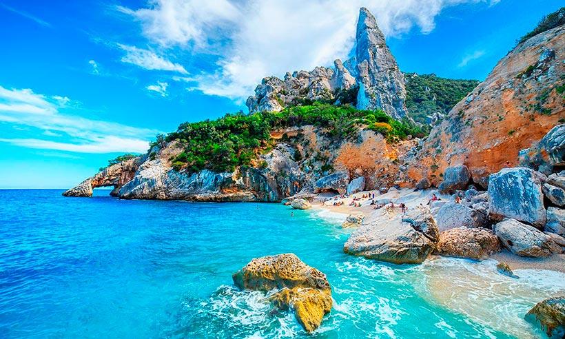 Diez playas de locura en las que perderse este verano en Italia