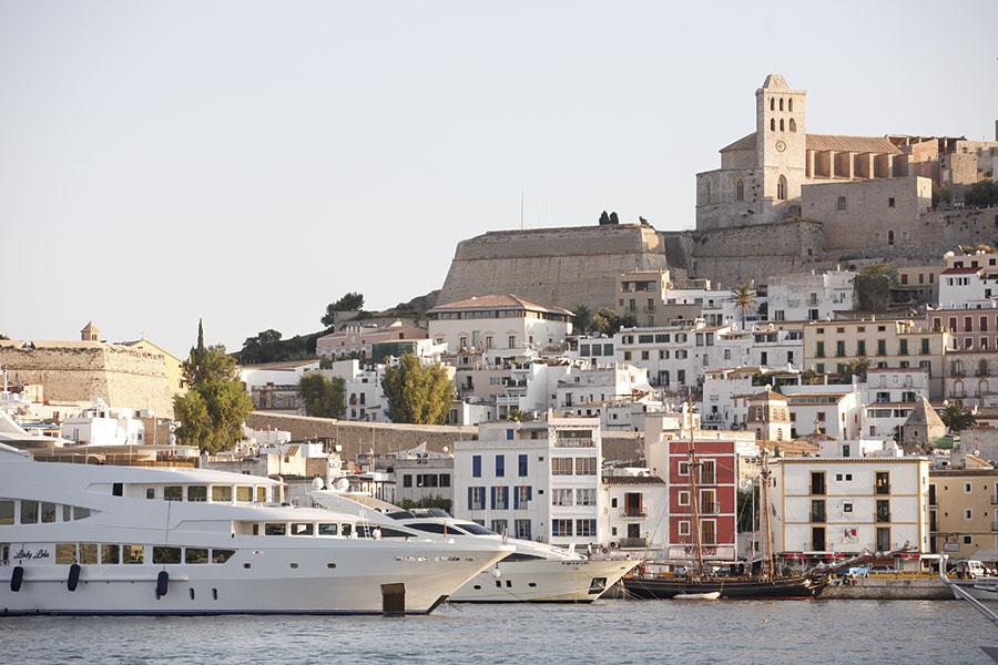 Ibiza-Dalt-Vila-a.jpg