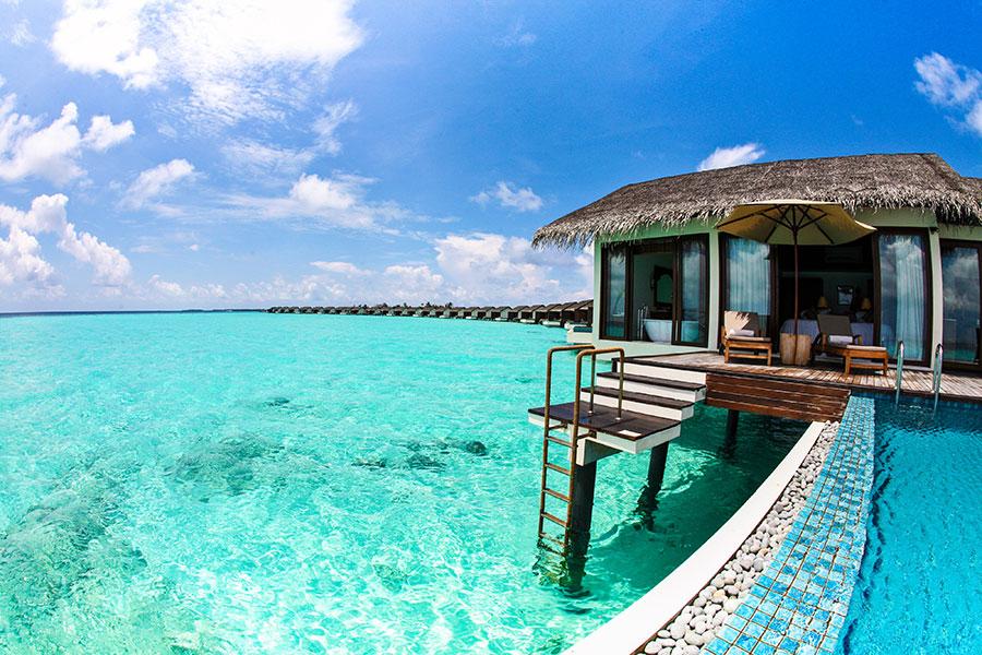 Durmiendo sobre el agua en estos hoteles con palafitos foto for Hoteles en el agua maldivas