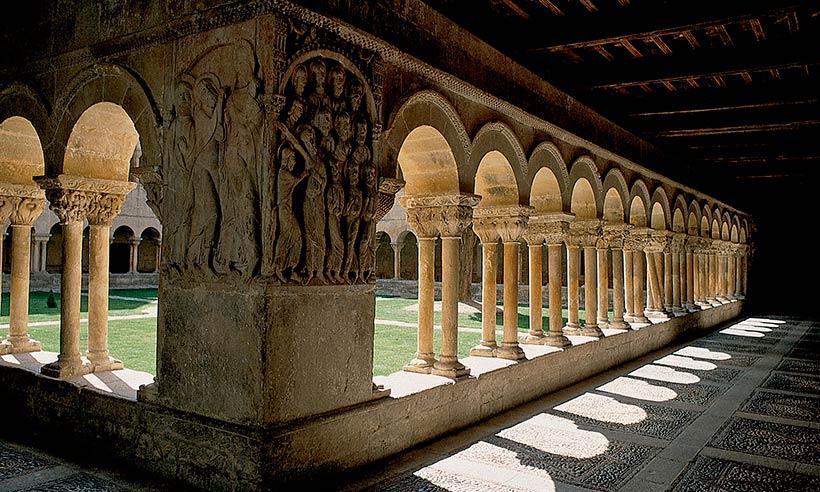 Los monasterios más impresionantes de España, con mucho arte