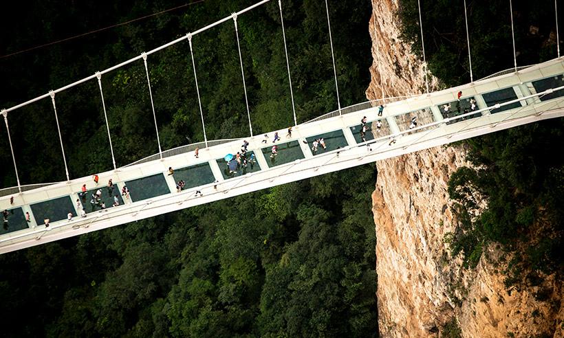 El puente de cristal más alto y largo del mundo (o ¡yo por ahí no cruzo!)