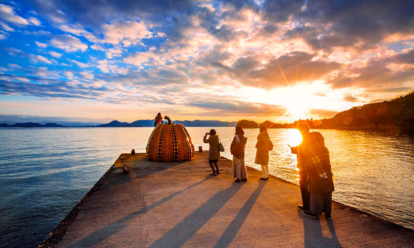 Naoshima, la isla japonesa de las calabazas gigantes