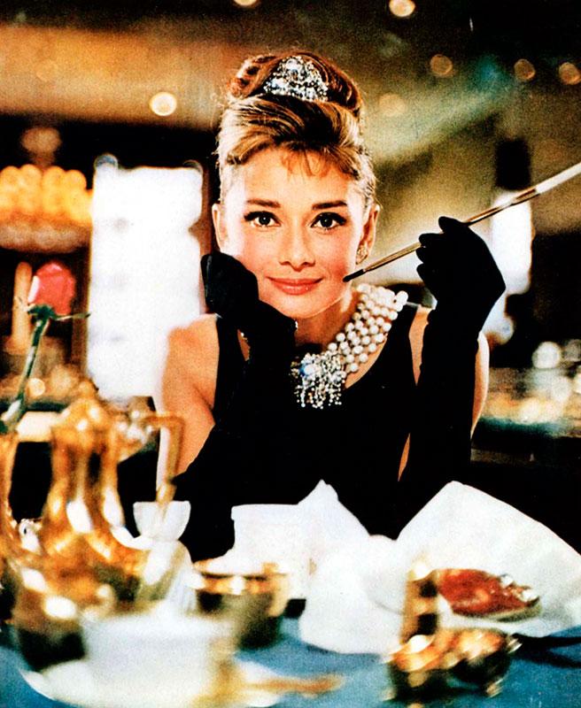 1fe2566fb630 JOYERÍA  Joyas de Película Tiffany   Co - Audrey Hepburn