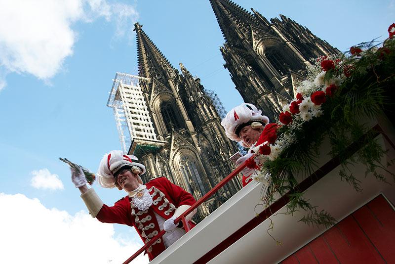 Alemania-colonia-catedral-desfile-carnaval