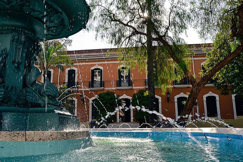 Pistas para jartarse a comer rico rico en huelva for Hoteles en huelva capital con piscina