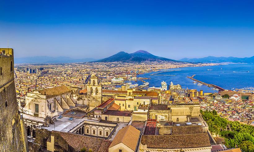 Nápoles: pistas para enamorarte de su caótica belleza
