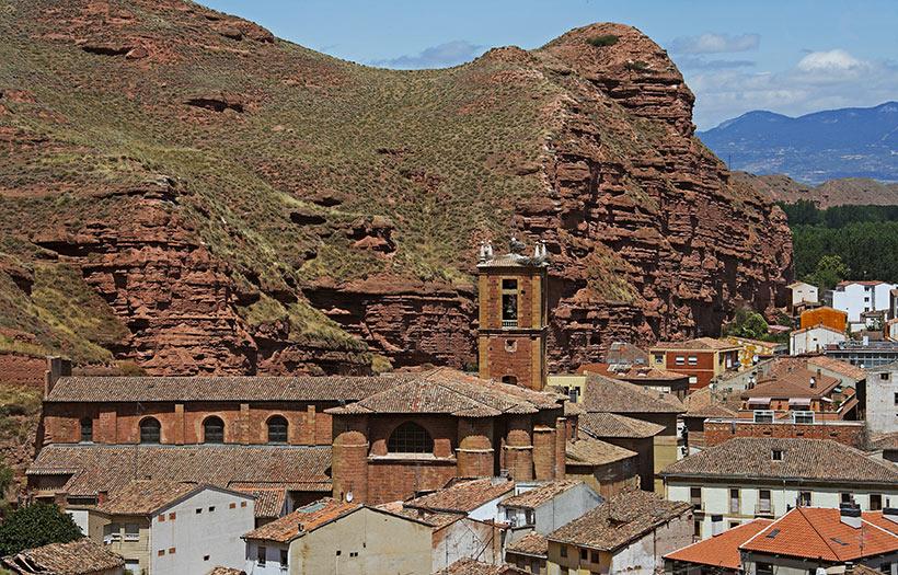 Una ruta en coche por pueblos de la rioja con mucho arte for Alojamiento en la rioja espana