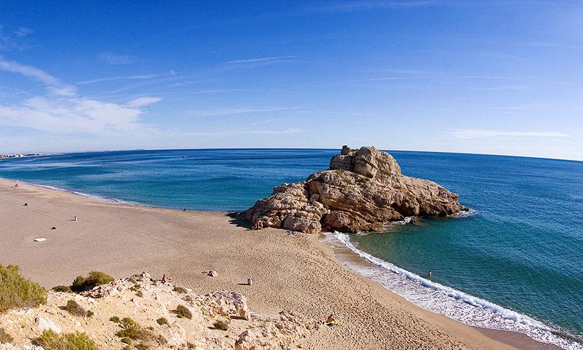 Diez playas deliciosas para (no) perderse este verano