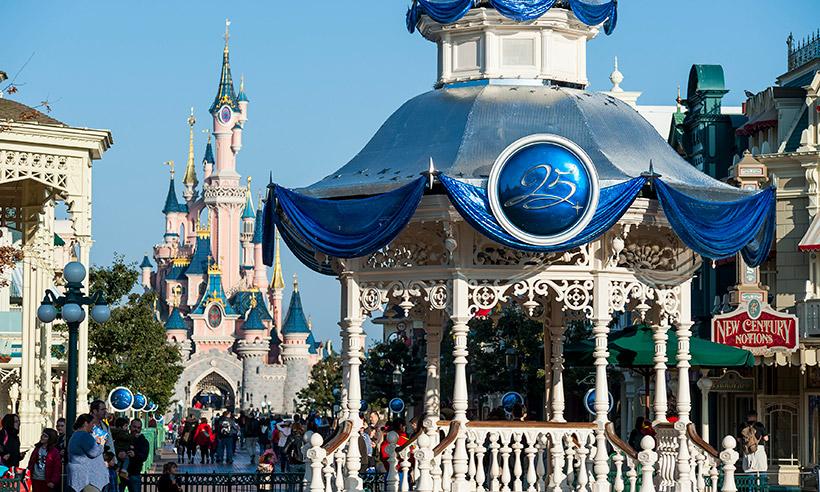 Guía práctica para una visita a Disneyland Paris, que está de aniversario