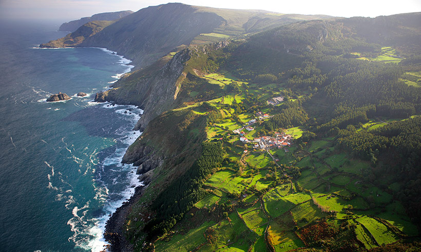 Pueblos, playas, faros, caminos... Diez lugares que tienes que ver en A Coruña