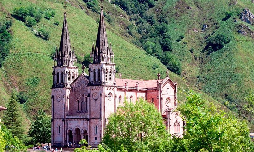 Picos de Europa en 11 instantáneas, un paseo por sus pueblos, desfiladeros, lagos…