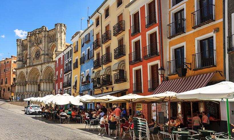Cuenca, la ciudad colgada y abstracta, en 10 imprescindibles