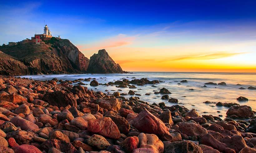 Los seis faros más bellos de la costa salvaje de Almería