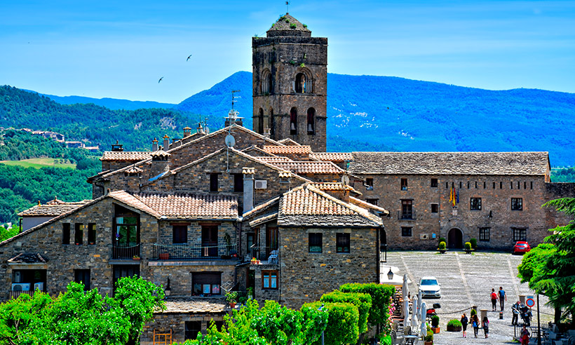 Aínsa se corona como la nueva Capital del Turismo Rural 2018