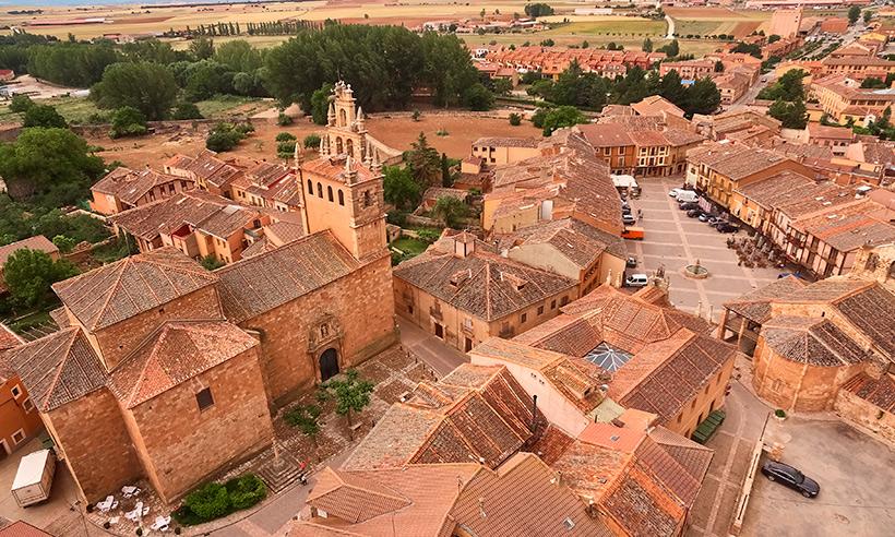 Ayllón, la villa segoviana del 'sí quiero' de Bisbal y Rossana Zanetti