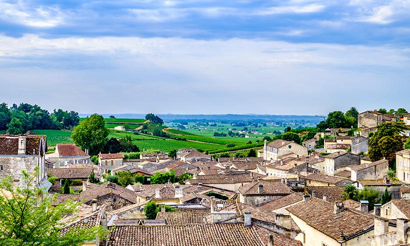 Saint-Émilion, un pueblo medieval entre viñedos que no puede ser más bonito