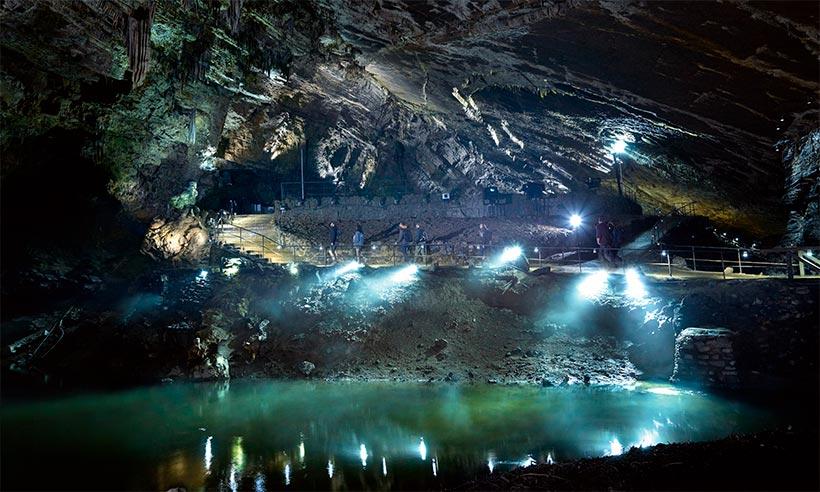 ¿Por qué a los belgas les gusta tanto la cueva de Han?