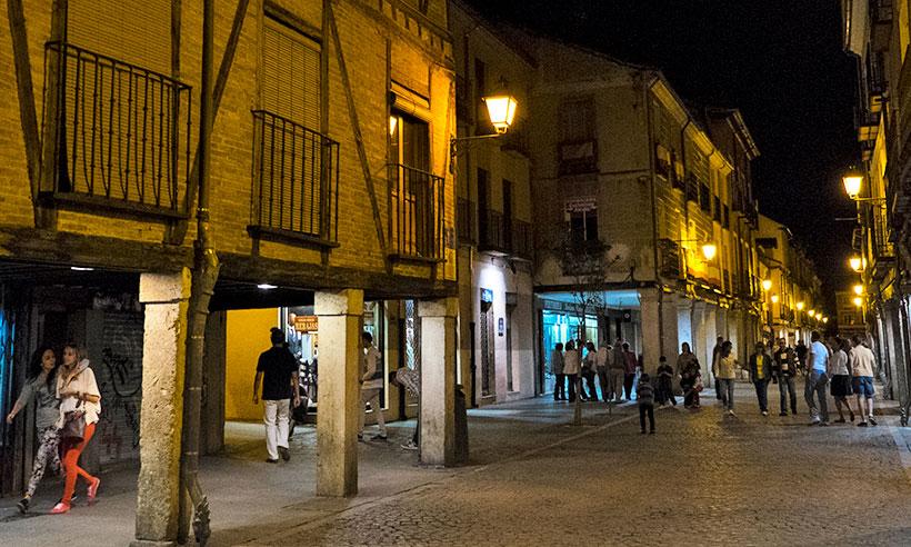 Calle Mayor, por aquí pasa la vida en Alcalá de Henares