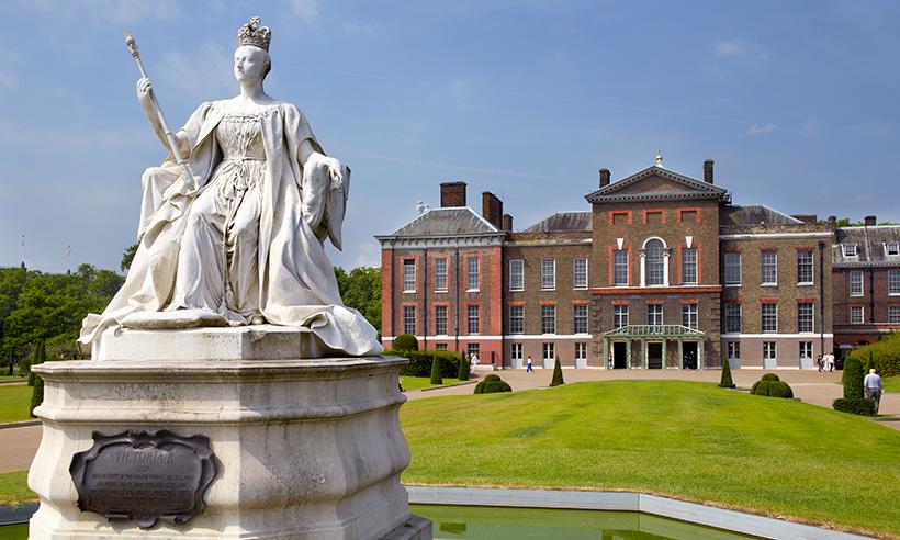 Del castillo de Balmoral a Kensington por el cumpleaños de la Reina Victoria