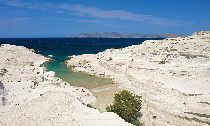 Milos, la isla griega de las 71 playas