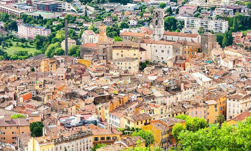 Grasse, la bonita ciudad medieval que en agosto huele a jazmín