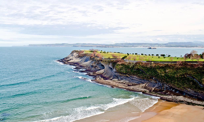 Acantilados de Cantabria a los que asomarte este verano
