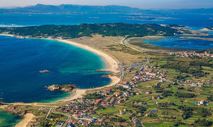 La playa salvaje por la que los gallegos sienten devoción es…