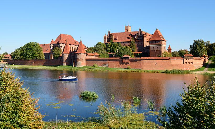Una ruta por Polonia en busca del mayor castillo del mundo