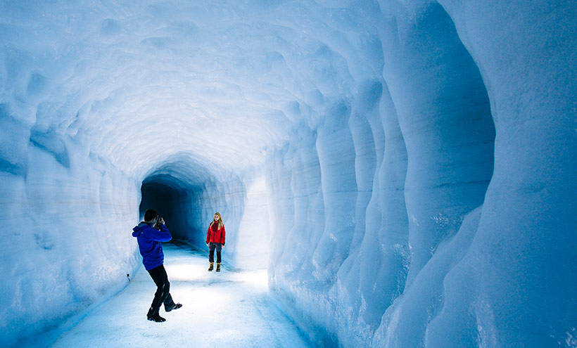 Adentrarte en un glaciar, la insólita experiencia que puedes hacer en Islandia