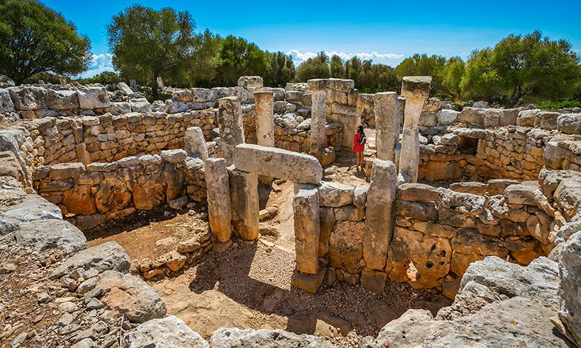 Caminando entre gigantes por Menorca
