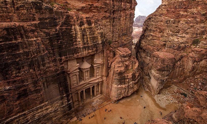 Viaja a Petra desde el sofá y de la mano de la reina Rania